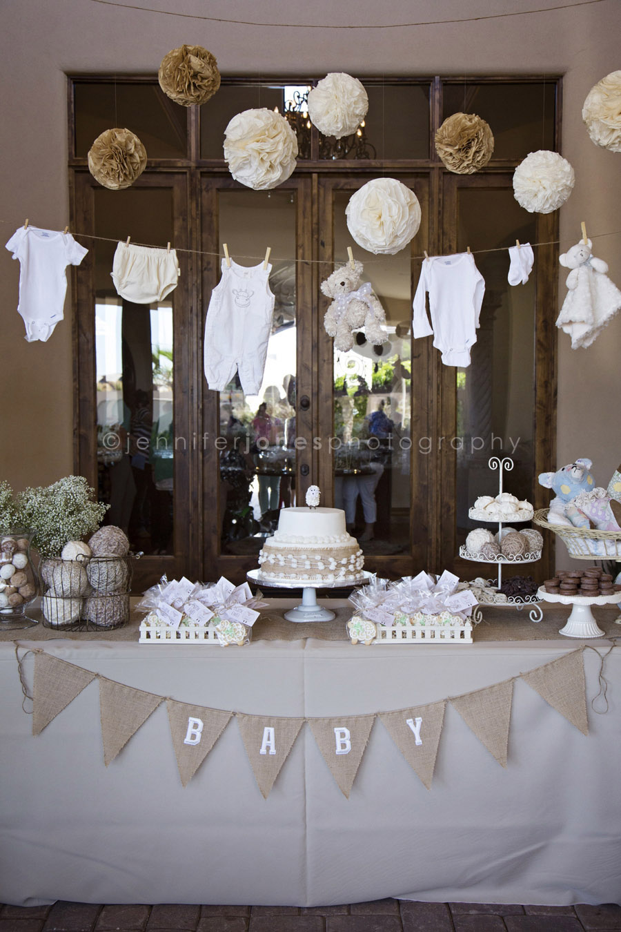 Vintage lamb themed neutral baby shower jennifer jones for Baby showers pictures for decoration